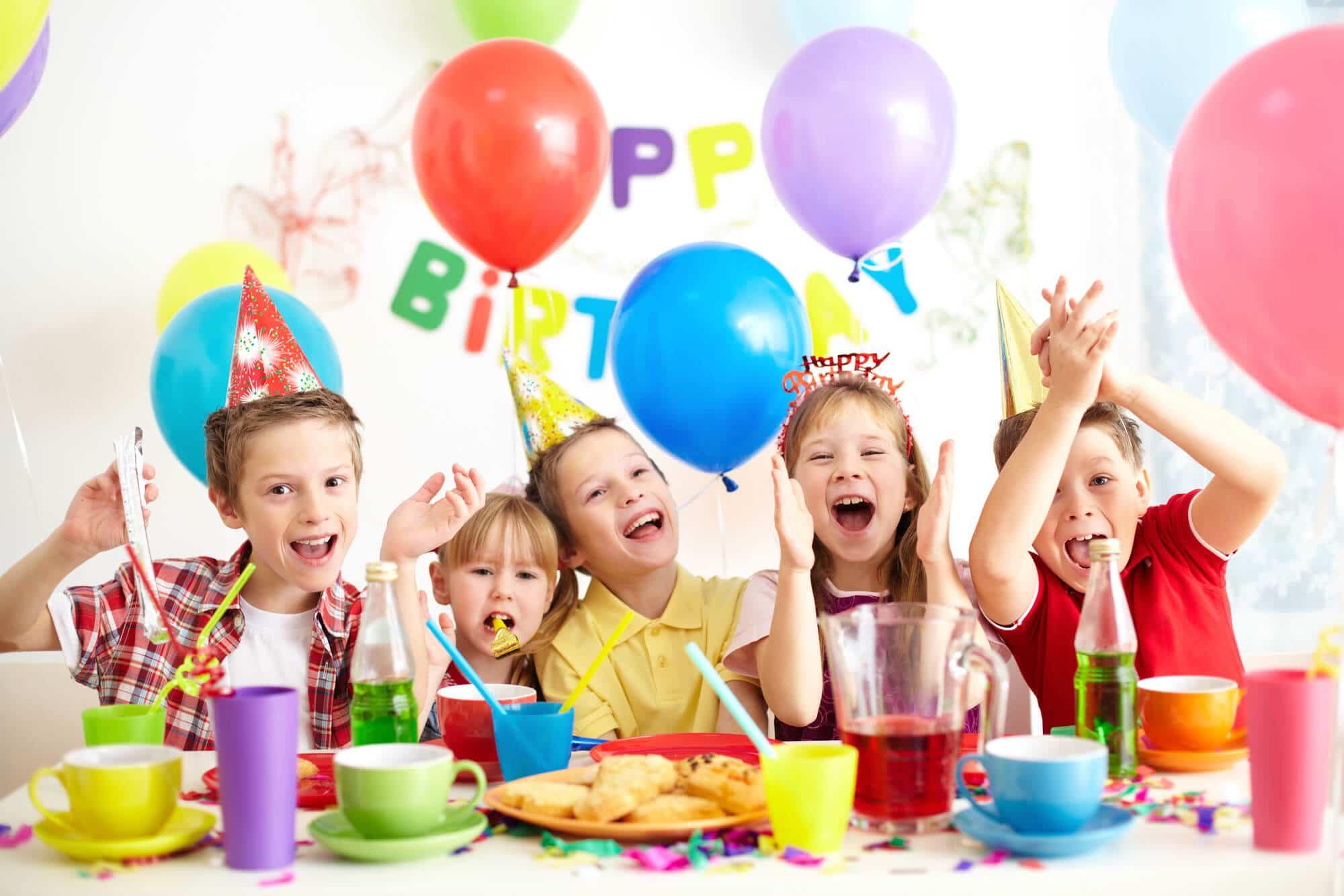 מסיבת יום הולדת בבית